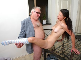 Simona's first time blowjob on her..